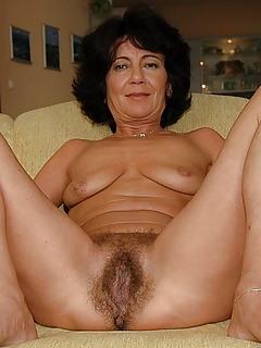 Hairy MILF Pics